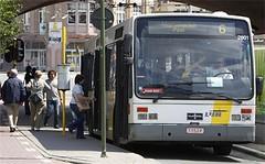 de-lijn-berispt-166-rokende-chauffeurs-in-2009_5_460x0