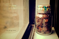 81/365 Jar of Wishes (Victor Mui) Tags: pictures classic window canon reflections photography 50mm flickr curves 85mm off days victor rainy wishes relection jar 5d 365 1740mm f4 mkii 81 f12 mui mki 81365