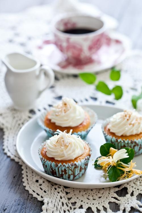 Honeysuckle & Jasmine Cupcakes