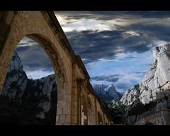 La Misteriosa Llum (Manel Cantarero) Tags: sky la nikon montserrat catalunya llum manresa manel misteriosa cantarero d40x