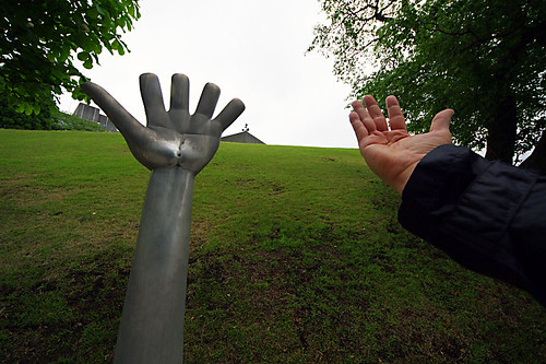left and right hand @Manfrotto Hakone Open air Museam