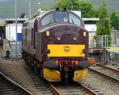 37685 at Fort William (Deadman's Switch) Tags: west station coast fort railway william class company loch 37 arkaig 37685