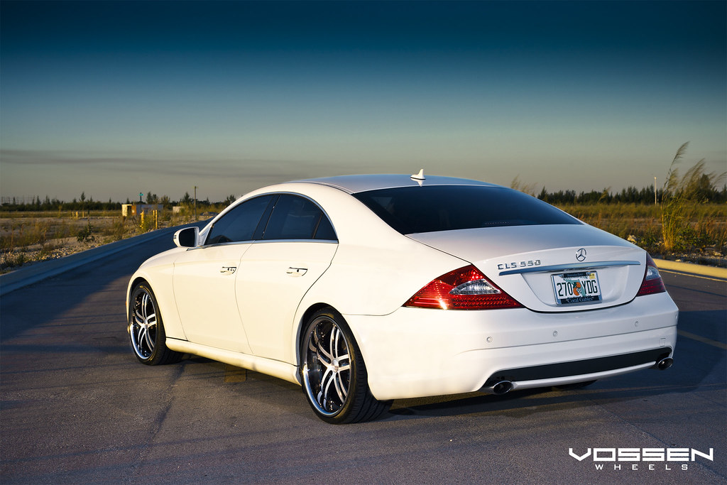 White Cls Lowered On The New Vossen Vvs085 20x9 20x10