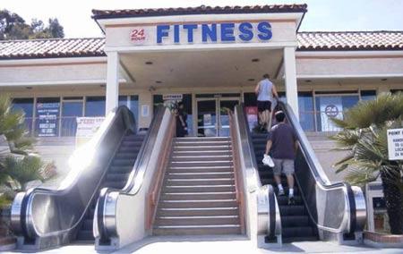 fitness con escalera mecánica