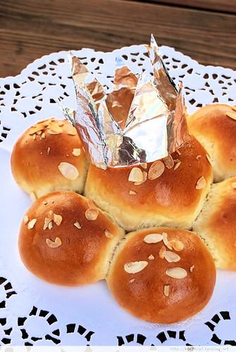 1 Basisrezept - 12 verschiedene Brote - Dreikönigskuchen ohne König