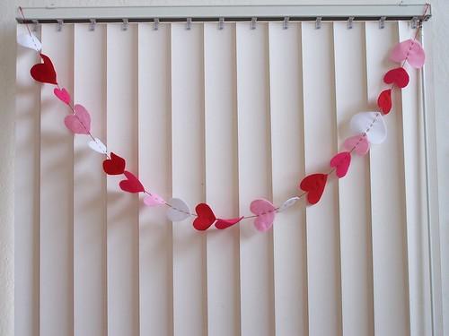 felt Valentine garland