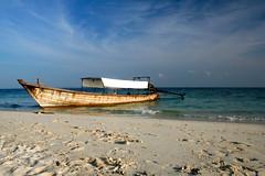 Bamboo Island, Longtail. (konstantynowicz) Tags: sea sky beach thailand island boat sand asia phiphi bamboo phuket longtail longtailboat krabi bambooisland mygearandmepremium mygearandmebronze