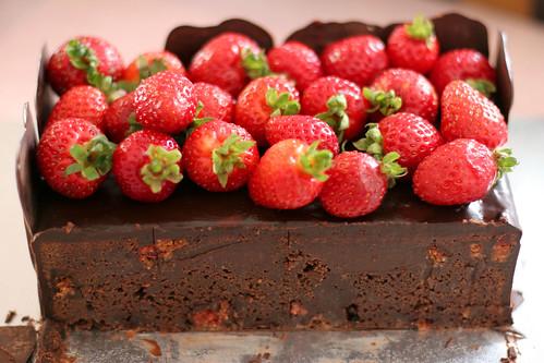 Cherry Ripe Mud Cake Recipe