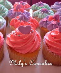 Cupcakes in pastel shades (Mily'sCupcakes) Tags: birthday pink white verde green blanco cupcakes princess rosa cupcake cumpleaños buttercream milys
