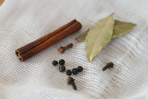 Georgian mushrooms / Koores ja vürtsidega hautatud seened Gruusia moodi