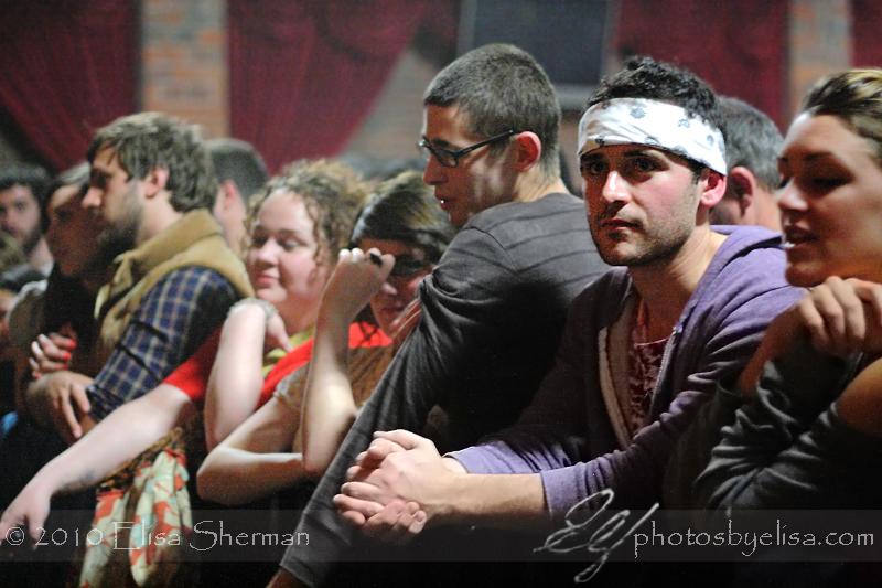 Crowd at Jonsi by Elisa Sherman | photosbyelisa.com