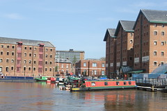Gloucester Docks (LaJoyeuse) Tags: water reflections canal gloucester warehouses redbrick gloucesterdocks narrowboats canon500d