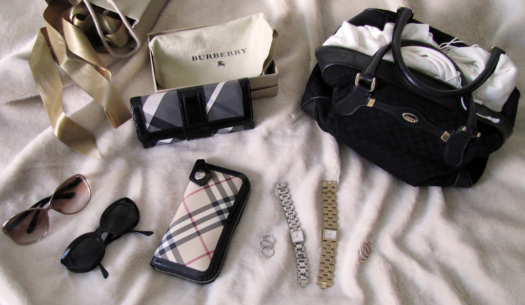 accessories-gucci-burberry-tom-ford-dolce-vintage