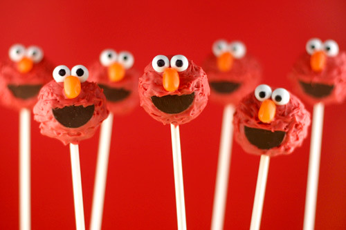Elmo Cake Pops by Bakerella.