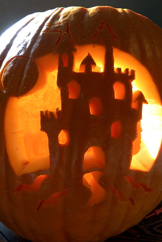 Great Castle Carved Pumpkin · Rebeca's Castle Pimpkin