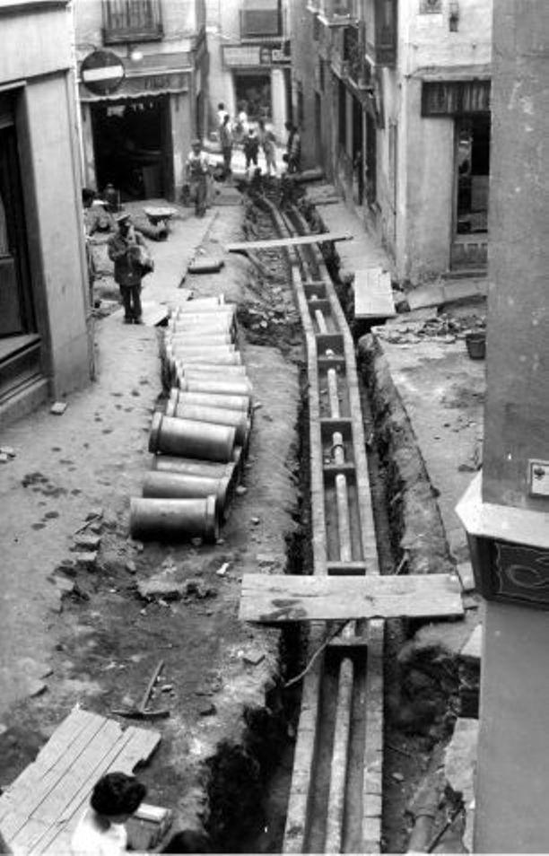 Obras de canalización de las aguas del río Torcón en Toledo en 1948. Plaza de Solarejo
