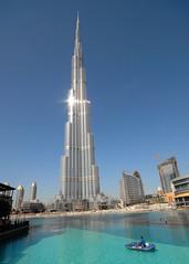 The Giant: Burj Dubai / Burj Chalifa (828 m !) (Werner Schnell Images (2.stream)) Tags: tower skyscraper giant dubai uae smith architect 828 khalifa record opening adrian werner burj hochhaus highest tallest ws worldrecord wolkenkratzer 160 vae 818 schnell دبي burjdubai flickrdiamond wernerschnell saariysqualitypictures wernerschnellimages 828m 818m 160floors chalifa 20100104 412010 burjchalifa burjkhalifa