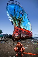 Makassar, South Sulawesi - Abandoned Ship at Benteng Rotterdam (Mio Cade) Tags: ocean sea man abandoned beach indonesia rotterdam asia ship south made huge sulawesi makassar benteng akku