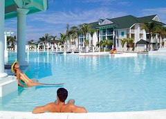TRYP PENINSULA (Voyages En Direct) Tags: 1017 soft67