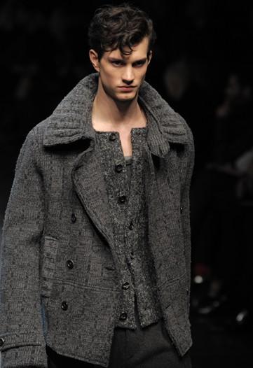 Theo Hall3021_FW10_Milan_Dolce&Gabbana(WWD)