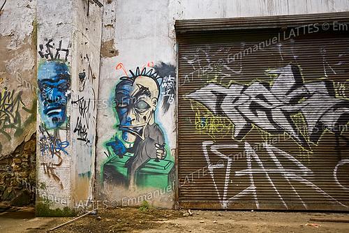 Graffiti dans une usine désaffectée (Vichy (03200), Allier (03), France).