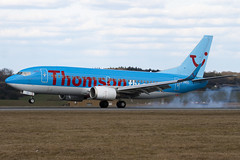 G-THOO - 29335 - Thomson Airways - Boeing 737-33V - Luton - 100315 - Steven Gray - IMG_8289