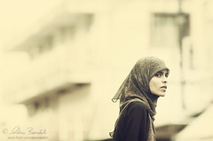 the look () Tags: street portrait woman andy girl look photography donna strada veil andrea candid muslim stranger andrew sguardo arab fotografia mauritius ritratto velo ragazza araba benedetti sconosciuta mussulmano  maheboug