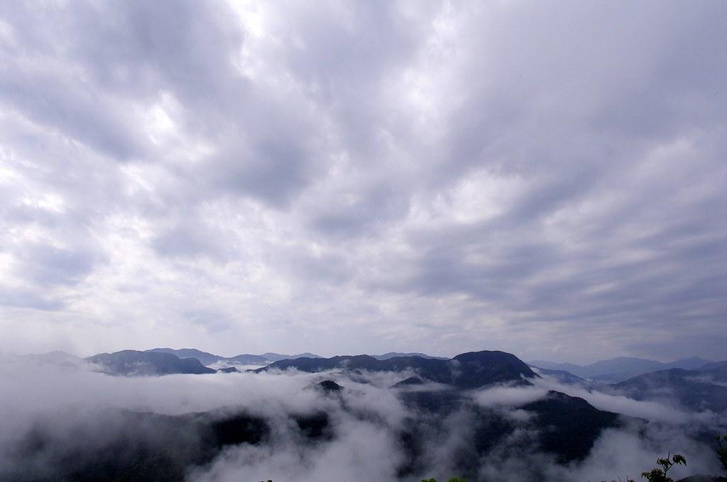 雲霧飄渺的翡翠水庫