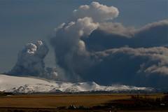 Eyjafjallajkull eruption Iceland (agustago) Tags: nature clouds iceland glacier glaciers ash vulcan eruption gos sland aska eyjafjallajkull eldgos agustago