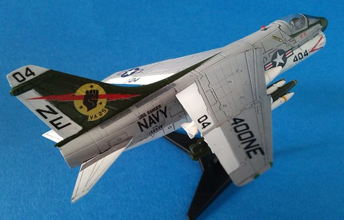 F-toys 1/144 - A-7E Corsair II - Completed - 2