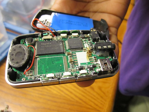 "Guts of a broken Mp3 player • <a style=""font-size:0.8em;"" href=""http://www.flickr.com/photos/52992303@N05/5730360897/"" target=""_blank"">View on Flickr</a>"