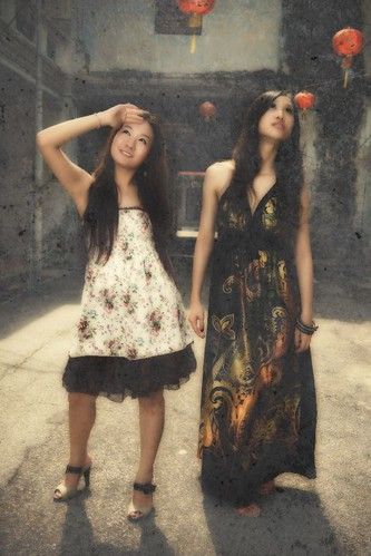 Models + Khoo Kong Si