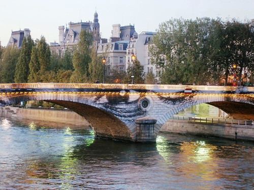 Paris - Installation de JR, Pont Louis-Philippe