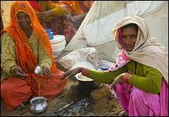 Tea time... (Hema Narayanan) Tags: pushkar rajasthan camelfair thardesert pushkarcattlefair pushkarfair2009 pushkarfestivalof2009 cattlefairatpushkar
