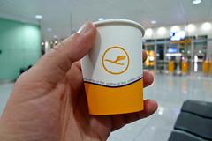 Free Lufthansa coffee (Håkan Dahlström) Tags: people coffee germany paper munich münchen bayern bavaria airport hand interior free aeroporto terminal franz josef mug flughafen muc lufthansa strauss luchthaven aéroport mnchen flygplats aroport franzheim