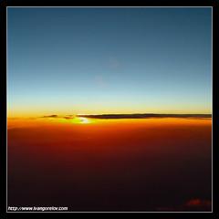One World / Egy Világ (FuNS0f7) Tags: dawn flight sonycybershotdscf828 anawesomeshot cloudslightningstorms