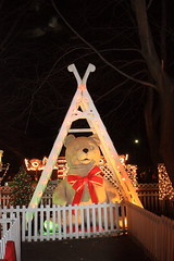 Huge Teddy Bear (lehcar1477) Tags: bear santa christmas xmas holiday zoo lights teddy massachusetts noel christmaslights huge stoneham zoolights stonezoo santascastle
