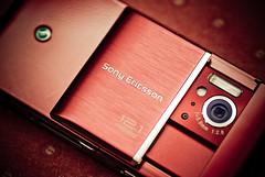 Day 020 | 365 Sony Ericsson Saito (Nas t) Tags: camera light red speed nikon ericsson sony sb600 pixel 121 tamron 90mm celphone mega saito d60