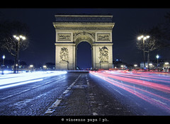 between two fires () Tags: light paris interestingness long exposure tokina explore semaforo arcdetriomphe shining champselyses parigi arcoditrionfo trafficisland streetcapture explored campielisi triumphalarc 1116mm spartitraffico vincenzopapa