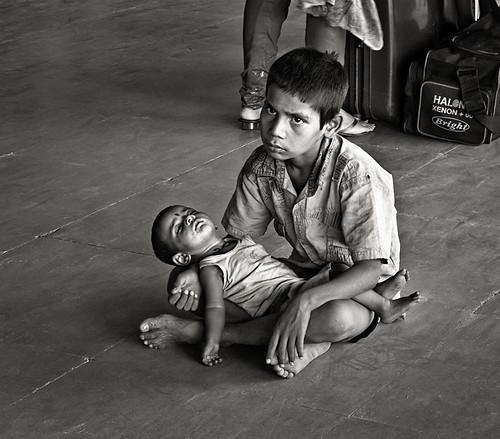 Pidiendo en la Estacion (Serie India)
