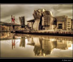 Guggenheim (Josepargil) Tags: puente arquitectura arte edificio bilbao 7d pasarela guggenheim museo canoneos moderno vizcaya paisvasco reflejos frankogehry contemporneo vanguardista josepargil