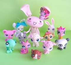Bubbles meets the Littlest Pet Shop crew! (Part 1 of 2)