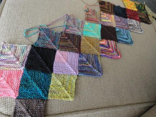 Insanity Blanket Knitting Pattern : Insanity Blanket knithitsthefan.com