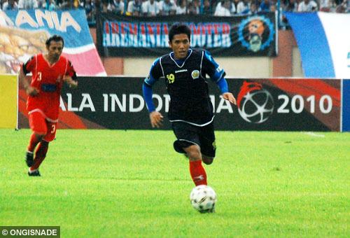 ahmad bustomi arema indonesia photo