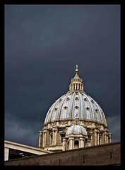 al di l (fanfaron) Tags: people pope vatican roma wall security contact protection sanpietro fabriziodeluca fanfaron