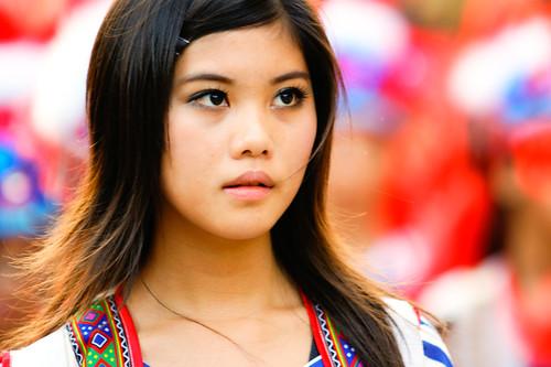 亮眼的原住民少女