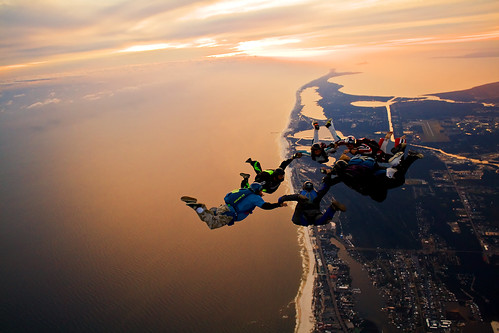 Skydiving Nov 2009, 7 way sunset load over the Florabama by divemasterking2000