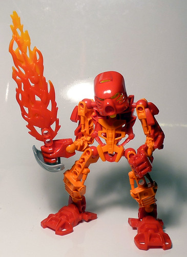 7116 - Bionicle Stars Tahu - Assembled