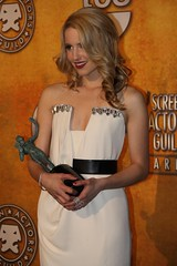 Dianna Agron, co-winner of the 2010 SAG award for Outstanding Performance by an Ensemble in a Comedy Series (djtomdog) Tags: actors screen fox guild sag glee tvjunkie diannaagron thomasattilalewis quinnfabray outstandingperformancebyanensembleinacomedyseries