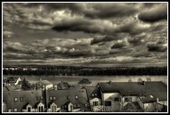 Rhein schauen (Dominik Gruszczyk) Tags: sky blackandwhite bw clouds river germany himmel wolken sw fluss rhine rhein mainz hdr hdri weisenau schwarzweis tonemapped